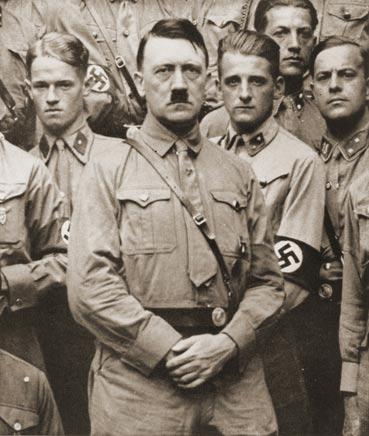 هتلر - حياة هتلر في سطور