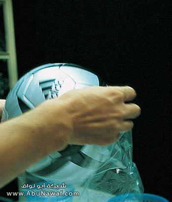صور صناعة كرة اديداس