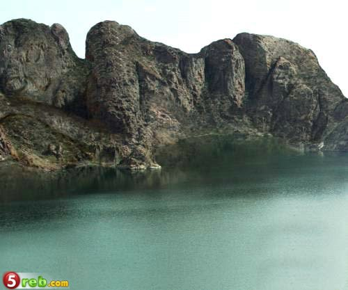 صور جبال وانهار غريبة