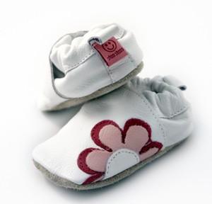احلى احذية للمواليد وازياء اطفال ولي مابترد لاتدخل