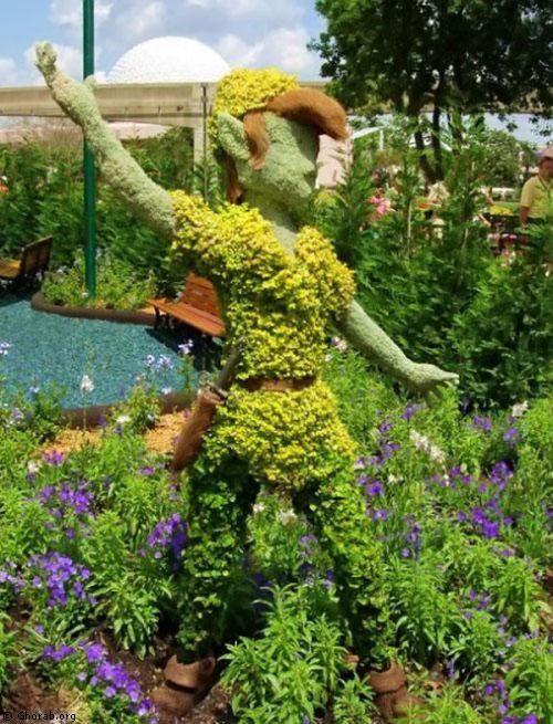 صور شخصيات ديزنى لاند مصنوعة من الزهور
