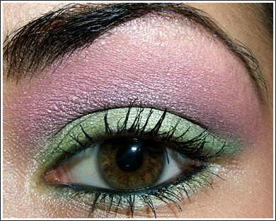 مكياج .... اخضر+فوشي .... بالخطوات المصورة