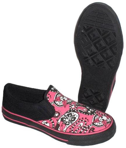 احذية بشكل سكرابز جماجم