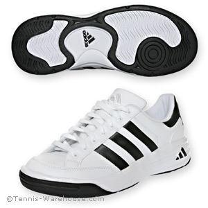 ألبسة،كابات و أحذية رياضية من أديداس..لا تفوتكم