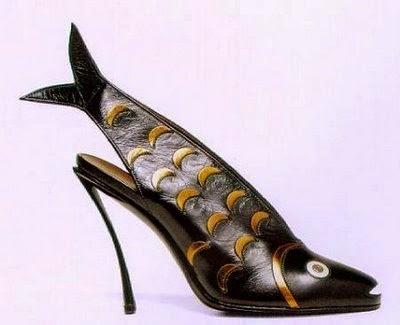 أحذية غريبه