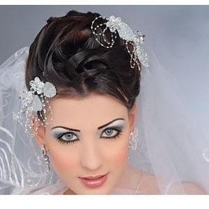 تسريحات جذابة للعروس