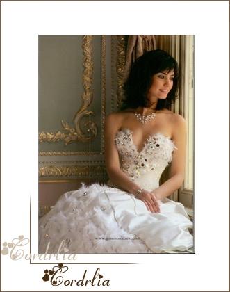 فساتين زفاف تعرضها توبا (لميس)