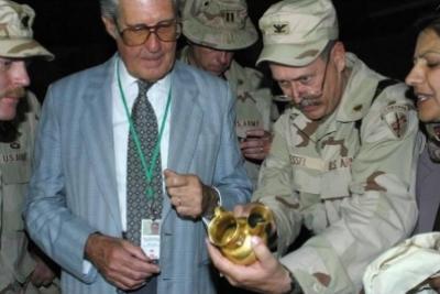 كنوز الملك نمرود التي عثر عليها الامريكان حيث اخفاها صدام في بغداد .. شاهد الصو