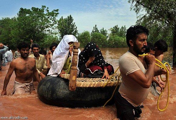 جديد الصور لكارثة باكستان من الفيضانات واللتي لم تشهدها منذ 35 عاما