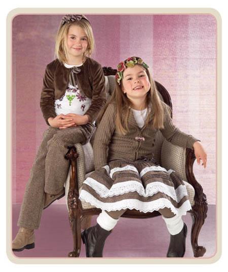 اليوم جايبة لكم أزياء غير ((ازياء اطفال 2011))