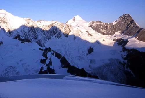 (وترى الجبال تحسبها جامده وهي تمر مر السحاب) تأملوا بالصور