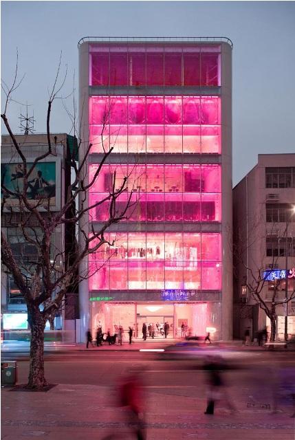 مبنى باربي في شانجهاي من الصين