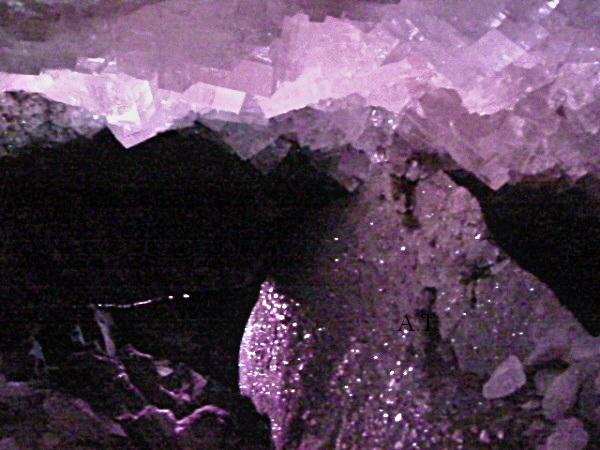منجم ميركيرز بعمق 750 مترا أجمل مغارة