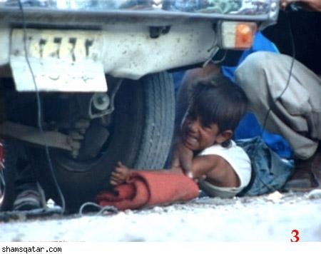 يجعل السياره تمر فوق يدي ابنه من اجل المال !