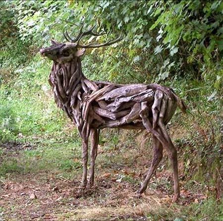 حيوانات شبه حقيقية مصنوعة من الخشب