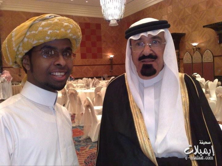 شبيه الملك عبدالله في زواج في حائل يربك الناس