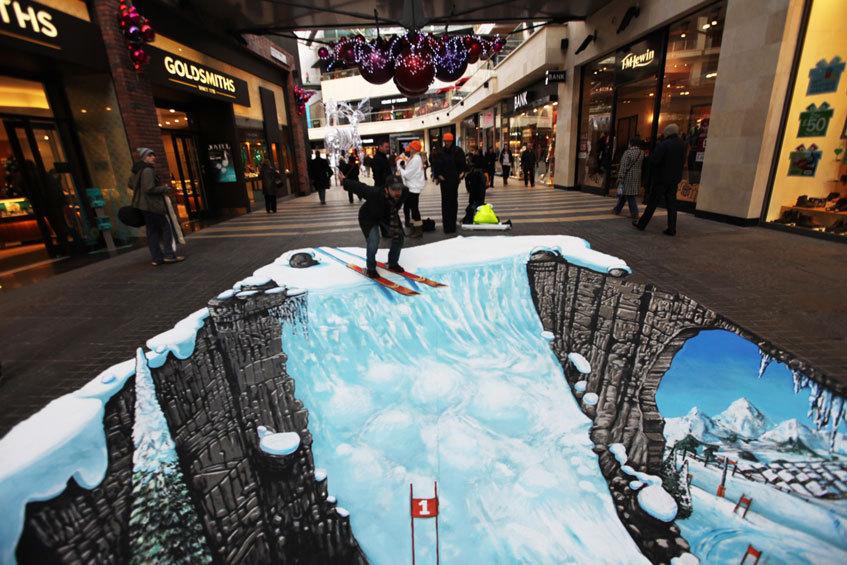 رسوم ثلاثية الأبعاد على الشوارع تذهل المارة