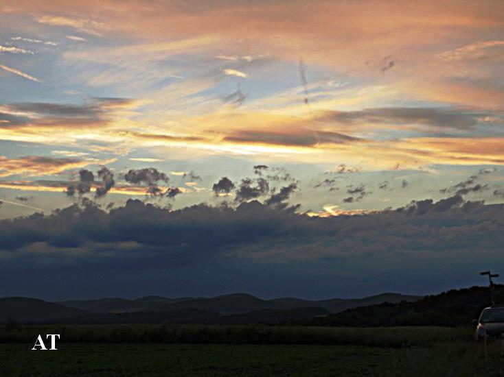 غروب الشمس فوق مرتفعات اوكيرز هويزر الجبلية مساء 2 تموز 2013