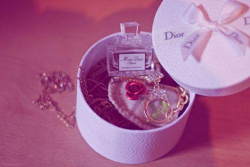 عطر Miss Dior ..}