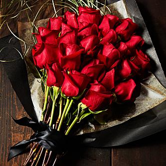 رمزيات عاشقات وقصه الورود الحمراء