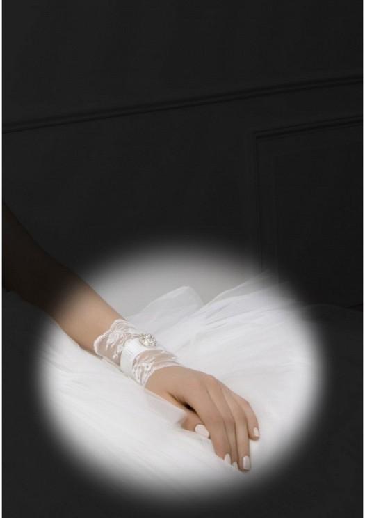 كفوف لعروس أكثر جاذبية..~