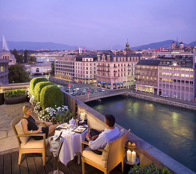 فندق مندرين على ضفاف بحيرة جنيف الساحرة