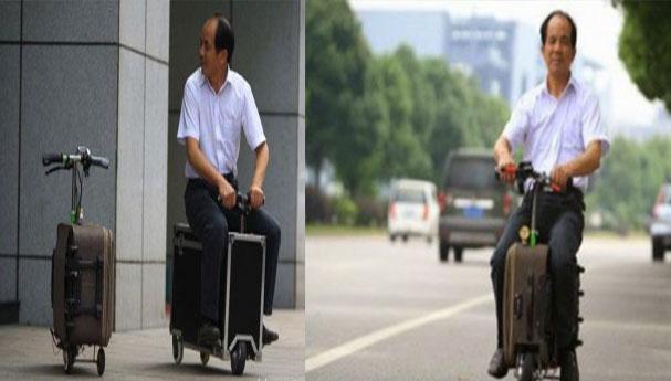 صيني يحول حقيبة سفر إلى دراجة نارية