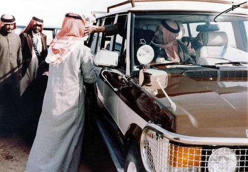 صور نادره لمقناص الملك خالد بن عبدالعزيز آل سعود رحمه الله