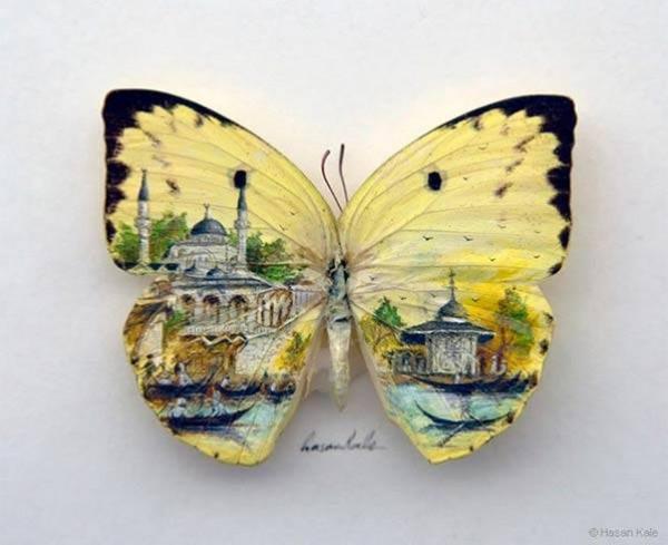 الرسم على جناح الفراشات