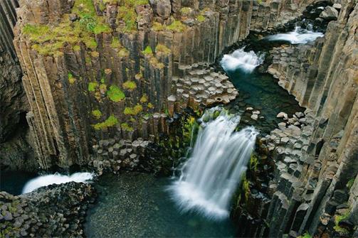 طبيعة ايسلندا الخلابة