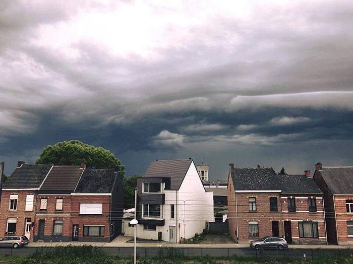 ما سر انتشار ظاهرة المنازل القبيحة في بلجيكا؟