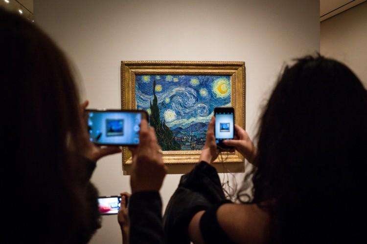 صور مخيبة للآمال عن حقيقة أشهر الأعمال الفنية في العالم