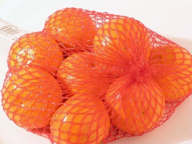 لماذا يباع البرتقال في أكياس شبكية حمراء؟