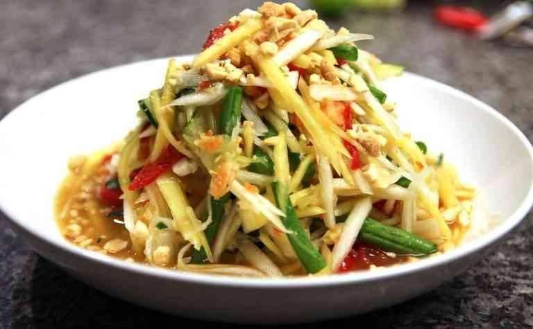 الأكلات المشهورة في تايلند